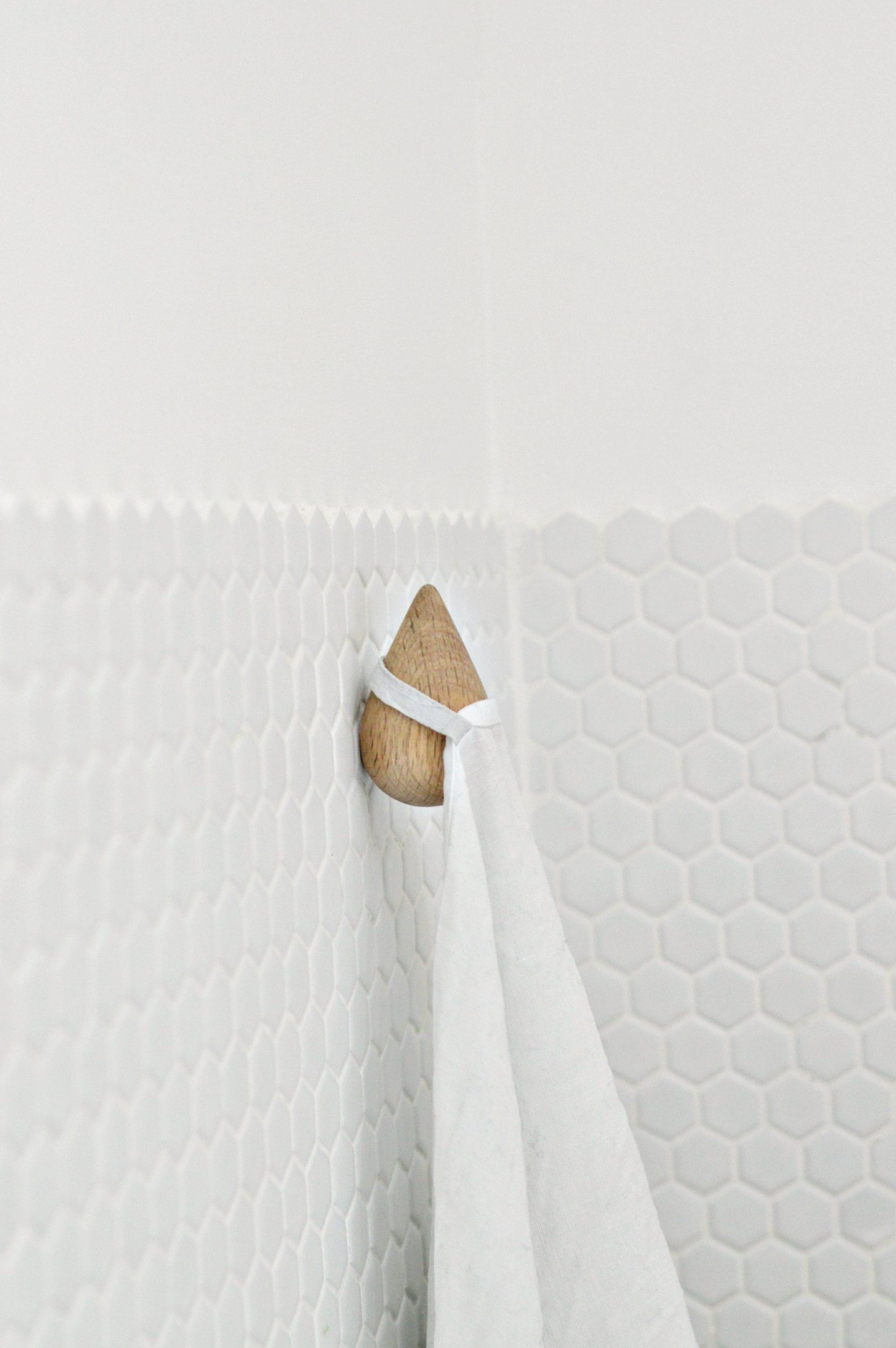 how to keep your bathroom clutter-free