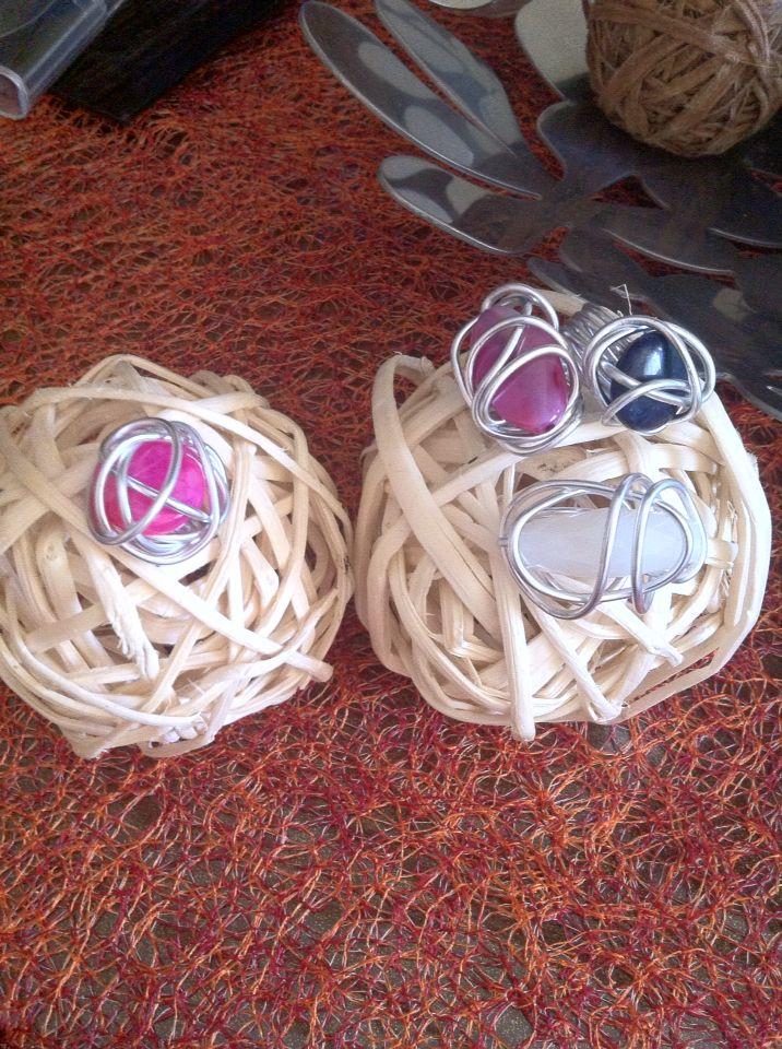 Anelli moda fatti a mano con pietre naturali e filo d alluminio