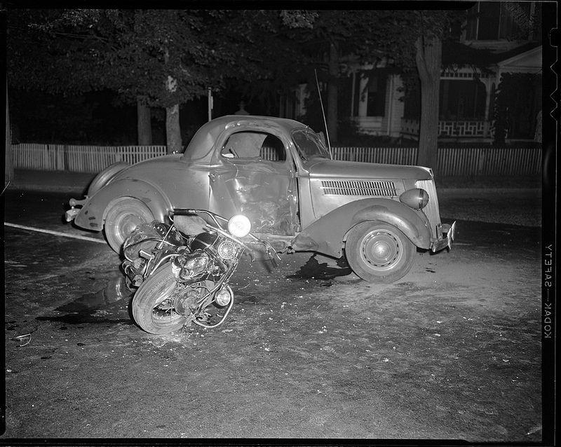 Pin by RoRi Gavoli on Vintage Auto Wrecks   Pinterest   Boston ...