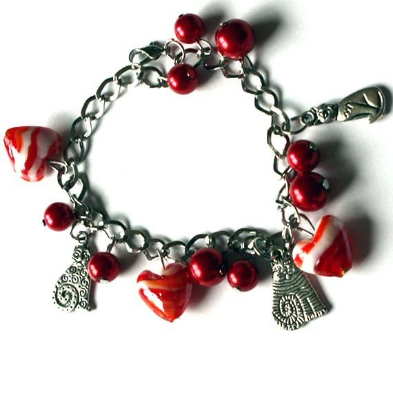Hearts and Cats  Charm Bracelet  Lampwork Red Hearts and