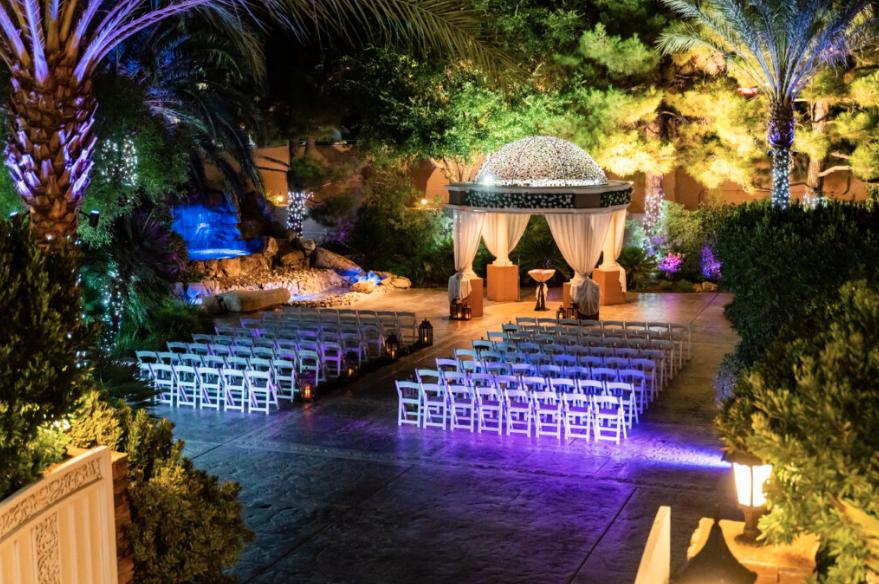 8 Amazing Outdoor Wedding Venues In Las Vegas With Images Las Vegas Wedding Venue