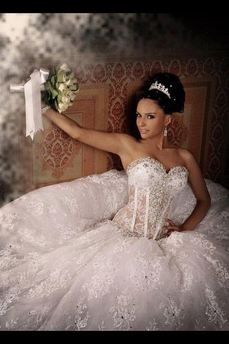 Wedding Dresses Hochzeitskleider - http://www.1pic4u.com/blog/2014/06/06/wedding-dresses-hochzeitskleider-122/