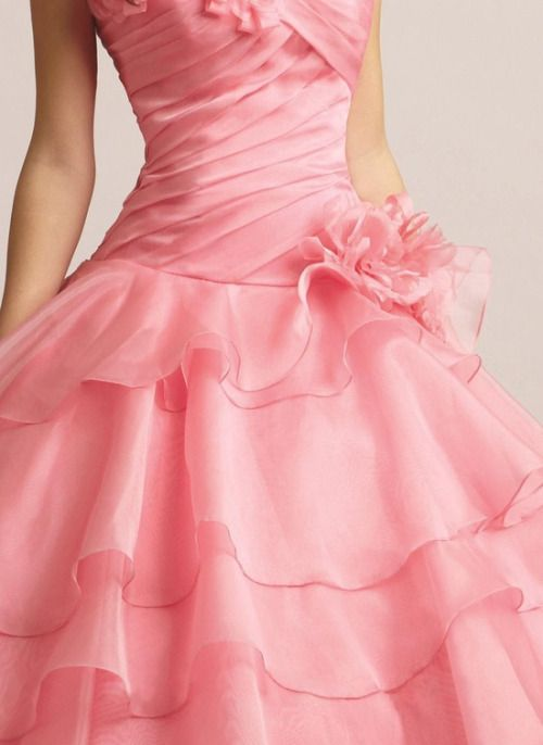 pink.quenalbertini: Couture Detail | Pitiskises