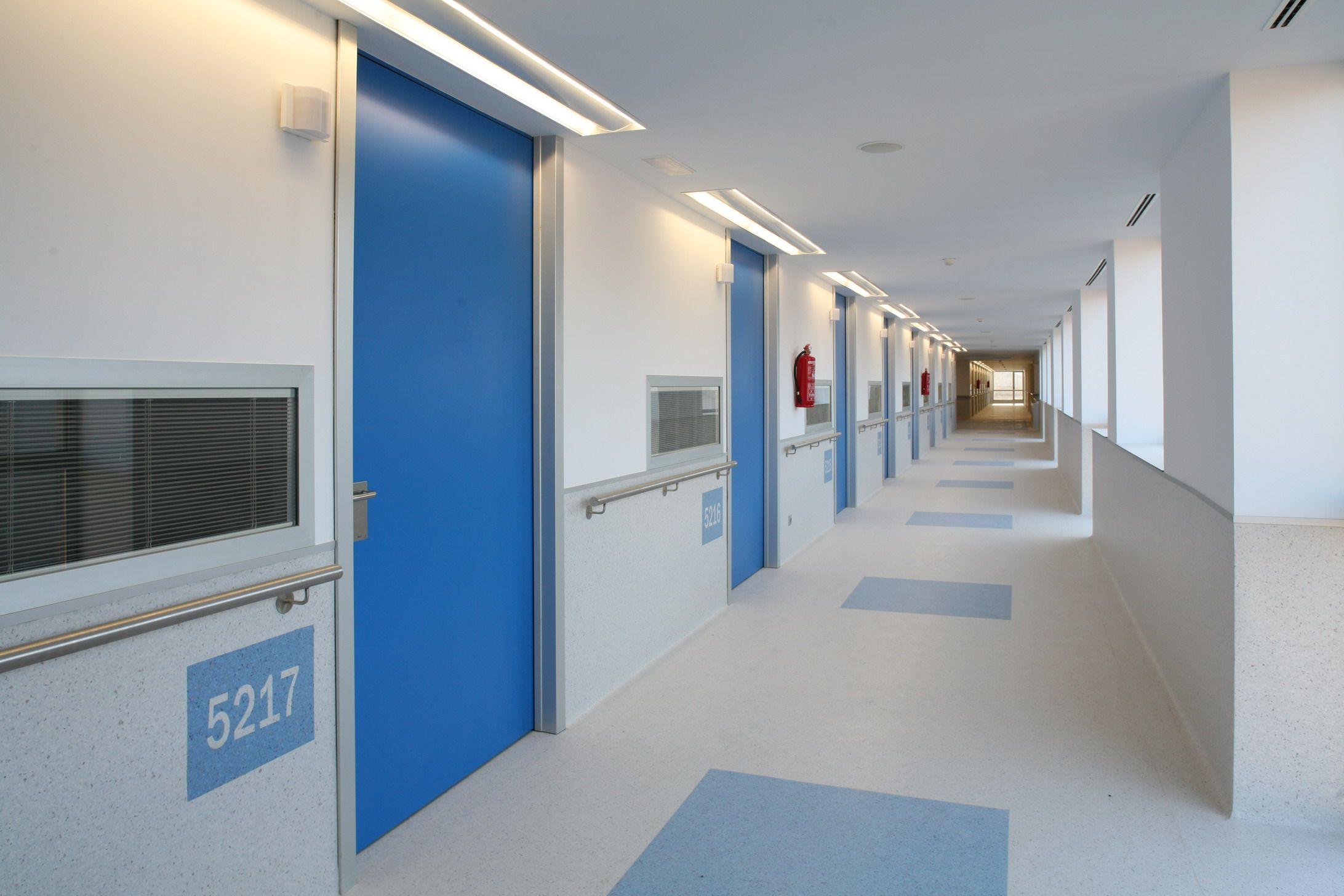 Hospital corridor google search architecture pinte for Chambre hopital design