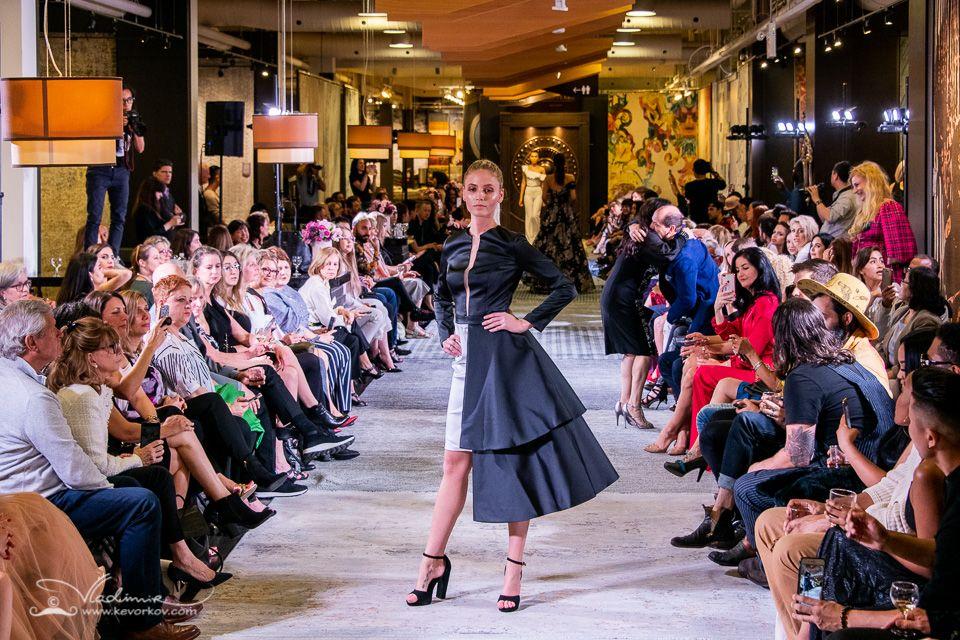 Runwaymodel Torontofashion Indiefashion A Partnership Between Living Luxe Magazine The Toronto Fashion Academy Indie Fashion Toronto Fashion Runway Fashion
