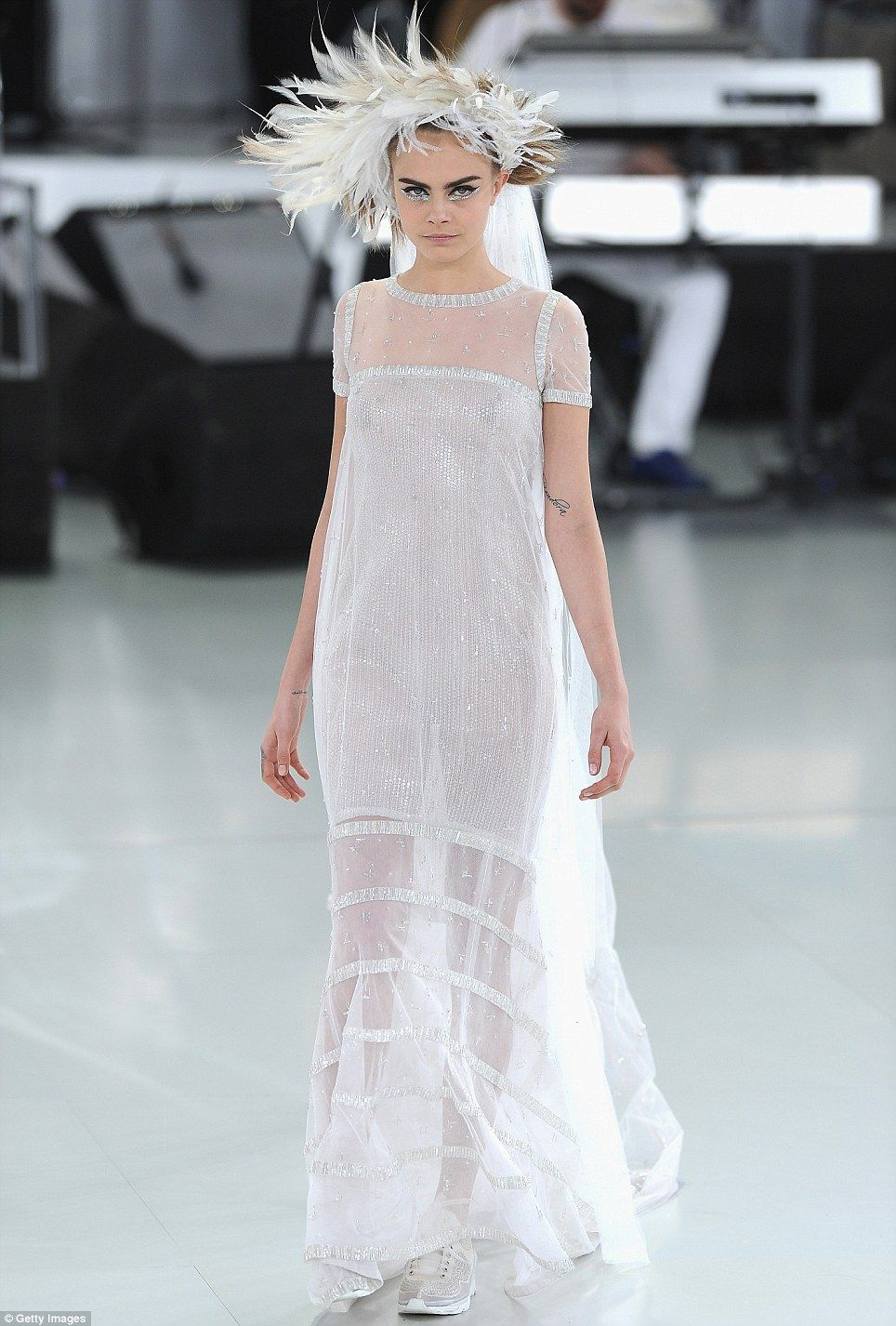 Cara delevingne is ethereal in wedding dress at chanel for Coco chanel wedding dress