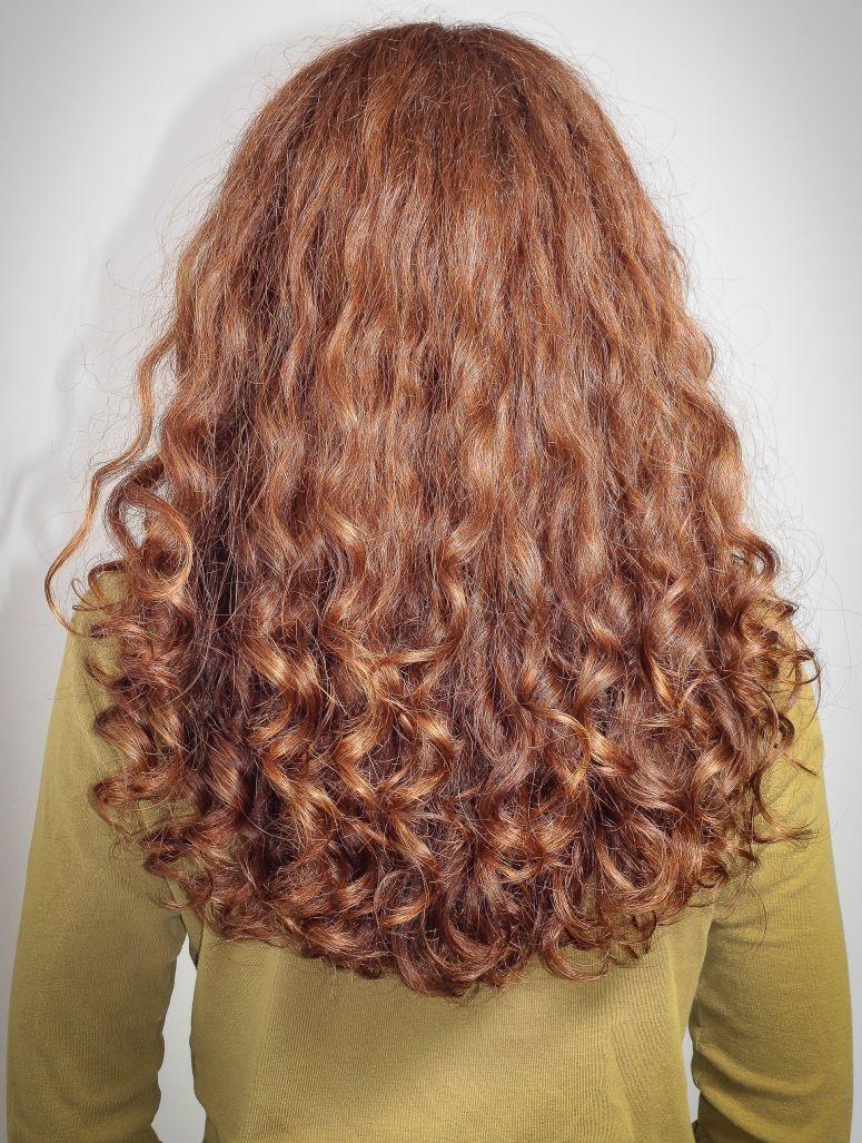 Graue haare nach dauerwelle