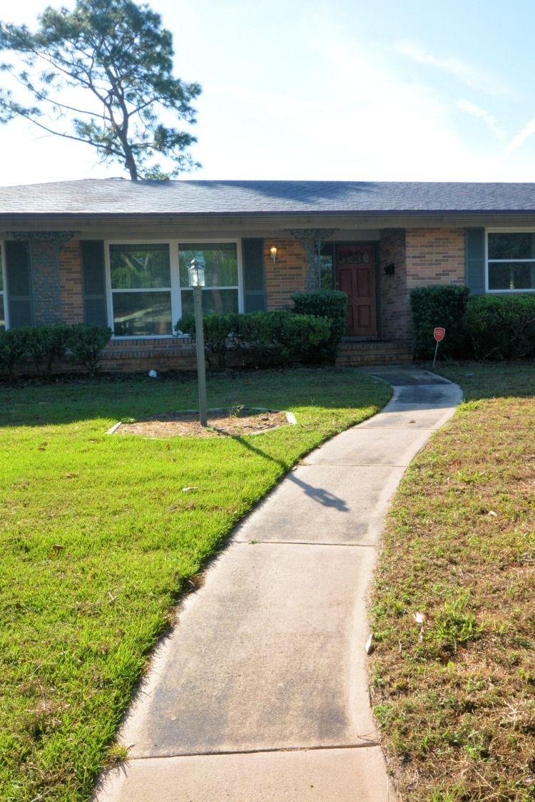 Brick Home in Jacksonville, FL 3 BR/2.5BA close to I295