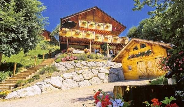 Chalet Avec Chambres D Hotes Et Gite A Vendre En Haute Savoie Pres