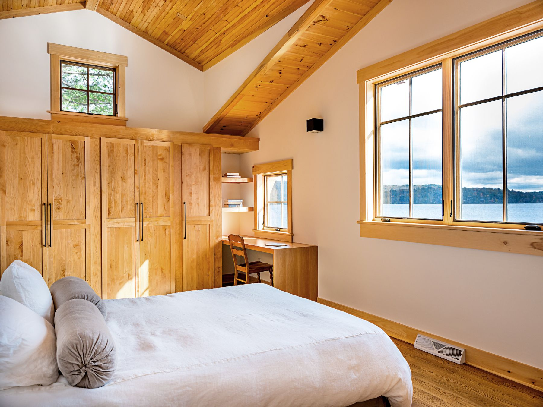 The Perfect Guest Bedroom With A Lake View Blonde Wood And White Walls Architecture And Interior Design By P Interior Design Bedroom Inspirations White Walls Lake residence transitional bedroom