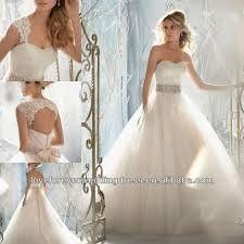 Bildergebnis Fur Hochzeitskleid Mit Abnehmbaren Rock Hochzeitskleid Hochzeit Kleider