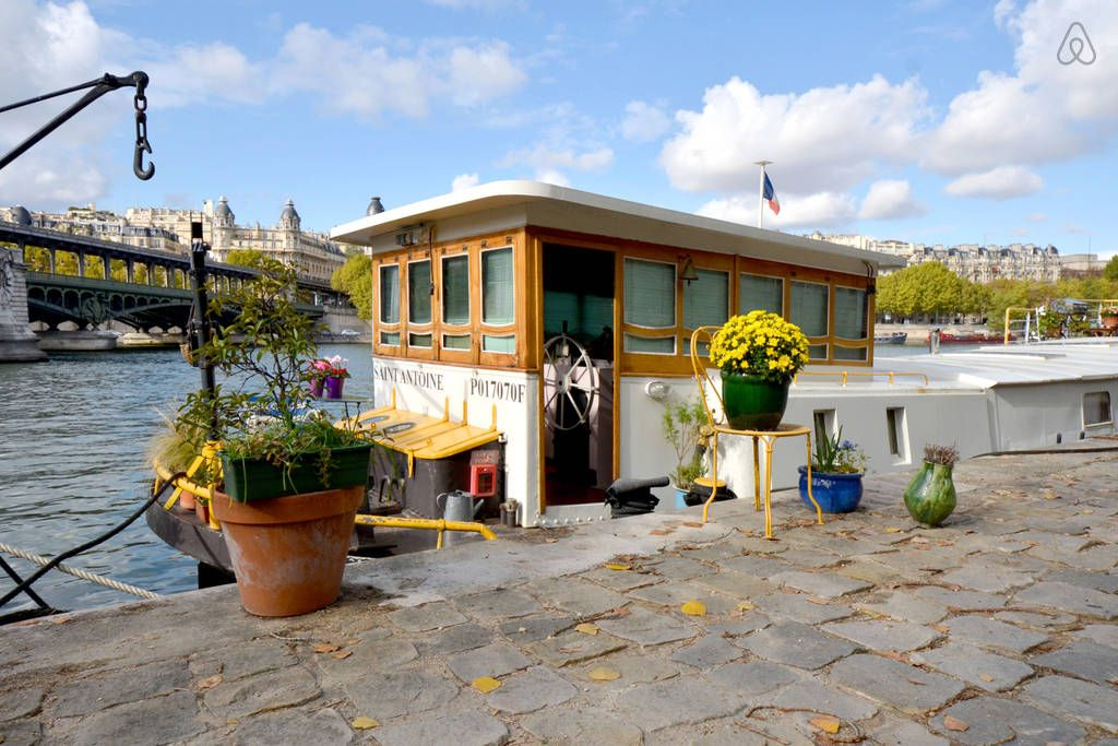 Houseboat On The River Seine In Paris 142nt Private Deck Within
