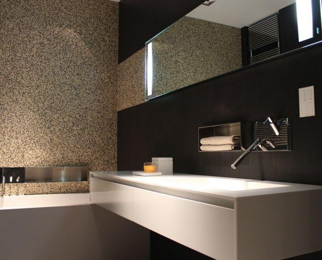 Badezimmer Bilder Modern Schokobraune Fliesen Beige Mosaik Badewanne