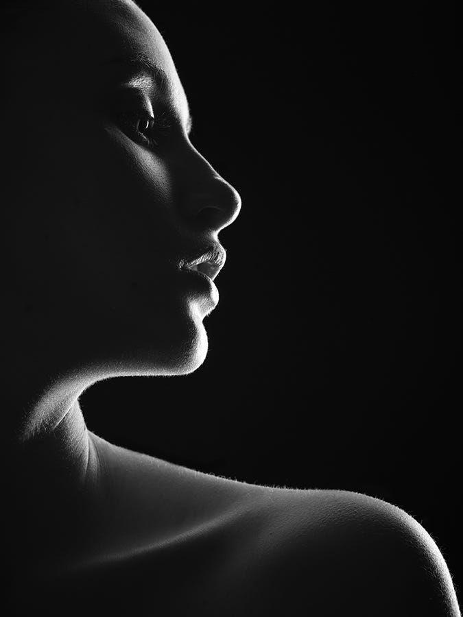 How Light Plays Such Intrestingly On Human Body Fotografia De Sombra Fotografia De Cuerpo Fotografia Retratos