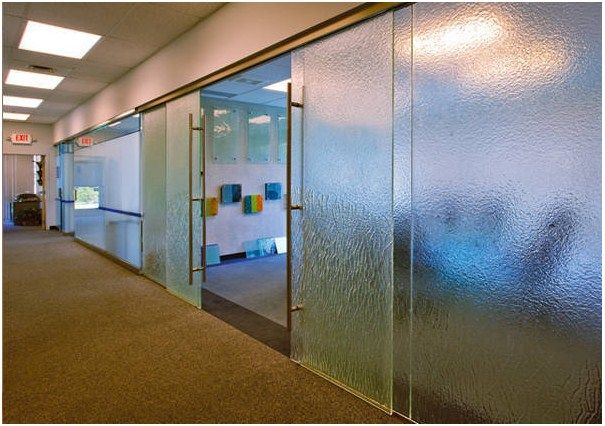 Choose from the largest collection of sliding and partition glasses offered by glasscreations for home or commercial use. slidingglass #partitionglasses