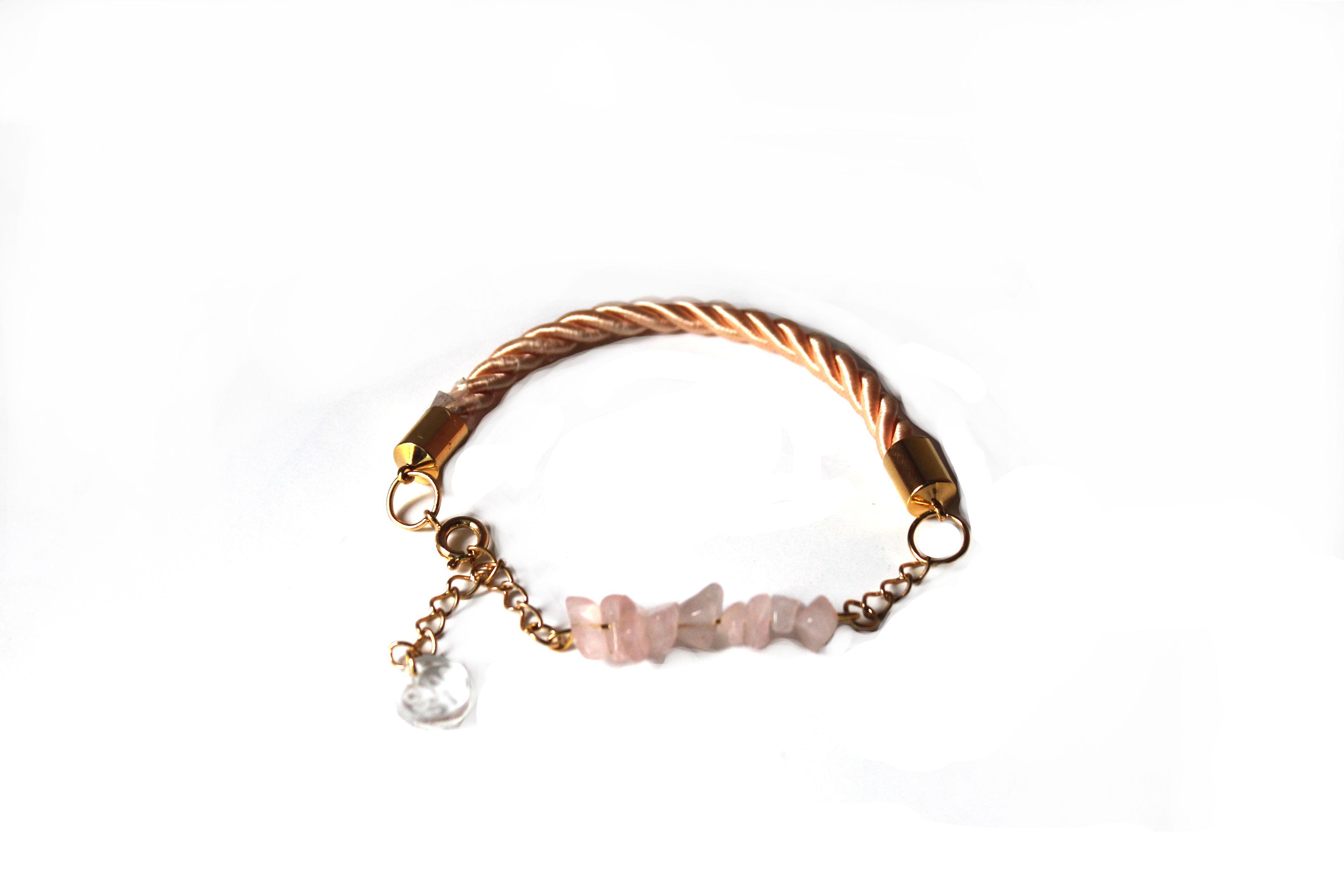 http://seasonsinwonderland.tictail.com/product/bracelet-free