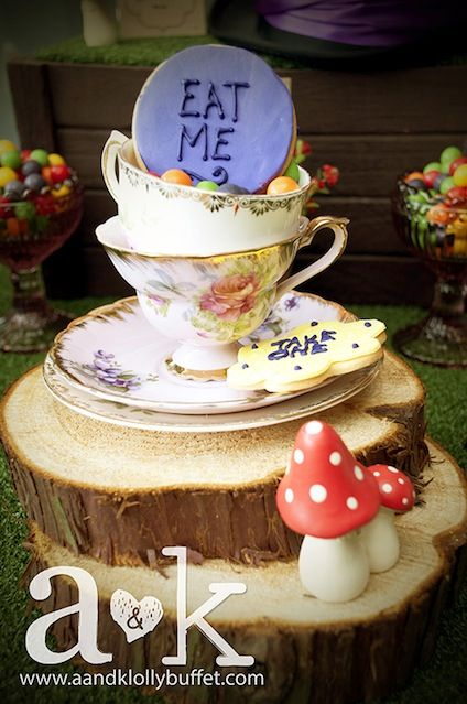 Alice In Wonderland baby shower theme ideas with cute pictures and descriptions. #babyshower www.CutestBabyShowers.com