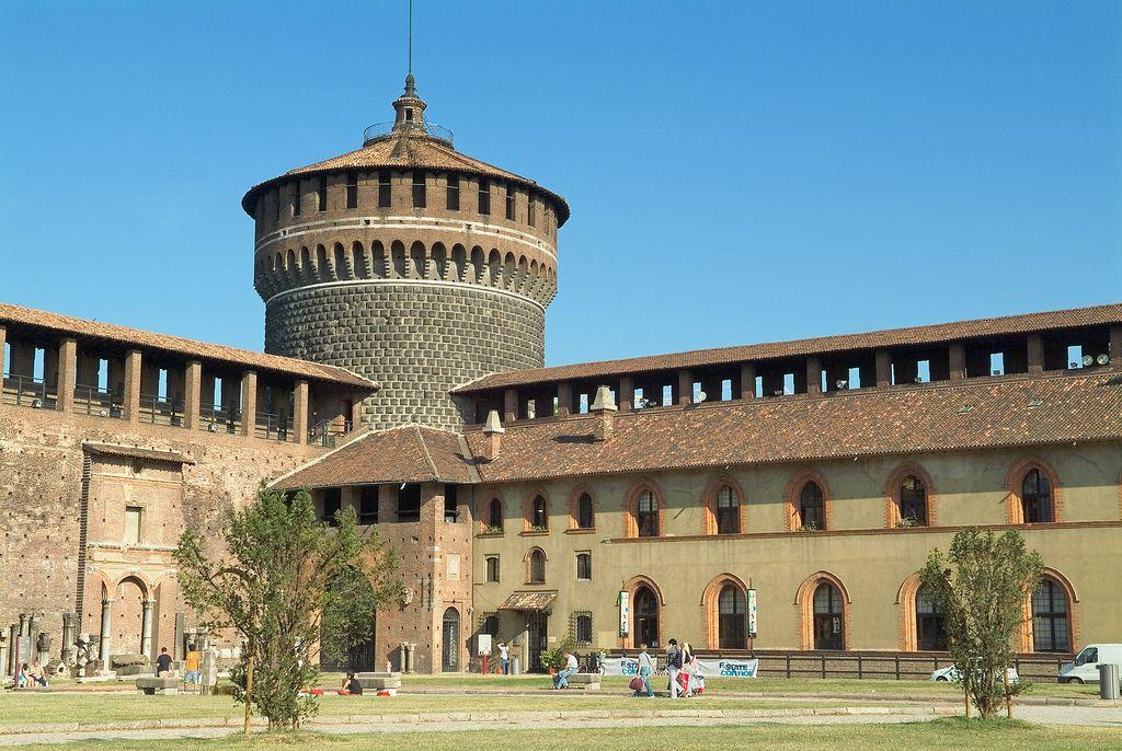 © 2006 Pedro M. Mielgo. Castillo Sforzesco (Milán)