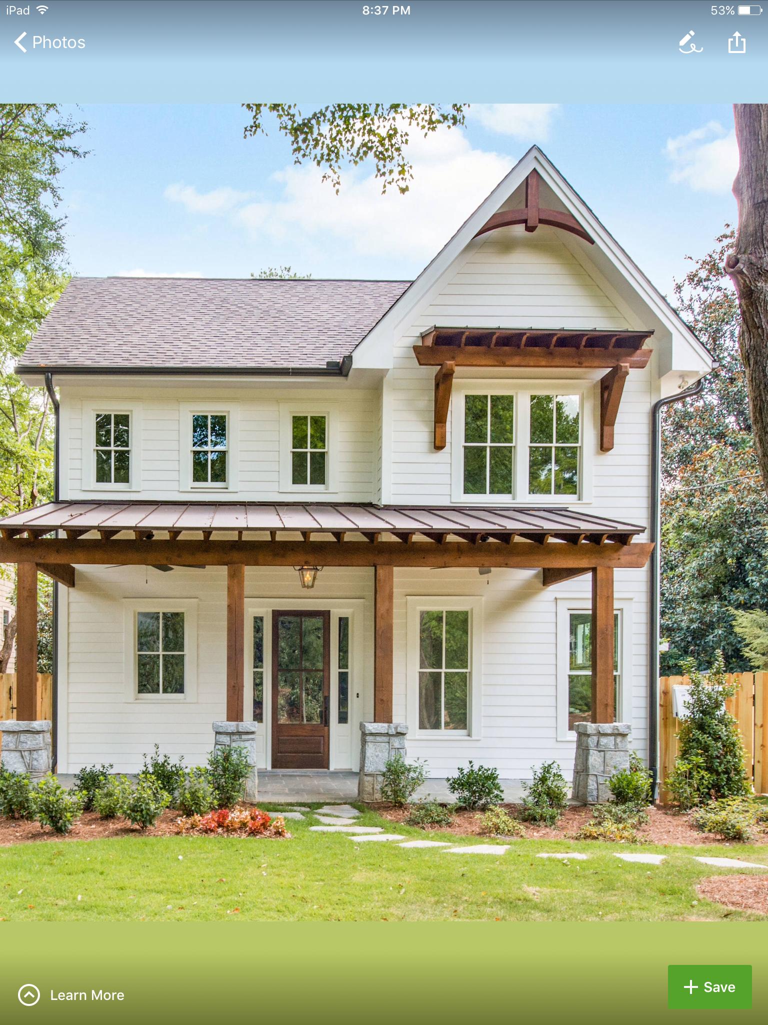 Casa de un solo piso presentamos una fachada que combina for Disenos de casas americanas