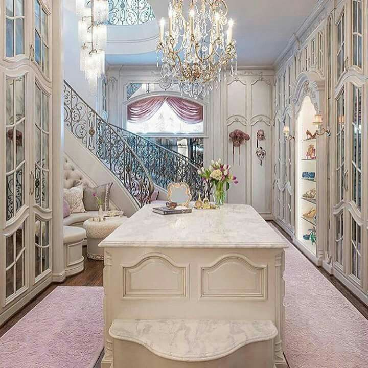Ive Seen So Many Walk In Closets But Seriously Nothing Made My Jaw Drop Like This One Designed By Dallas Design Group Inspire Me Home Decor