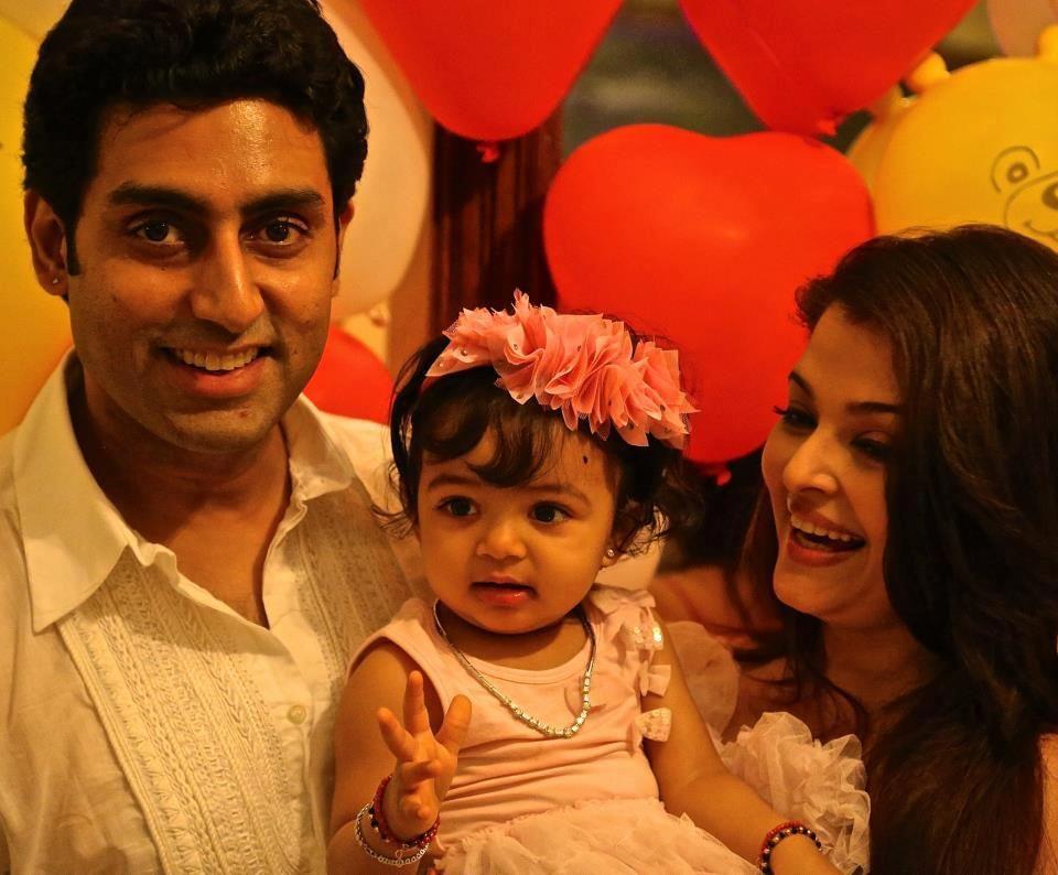 Cute Aaradhya Bachchan S 1st Birthday Bollywood Celebrities Aaradhya Bachchan Aishwarya Rai Baby Photos