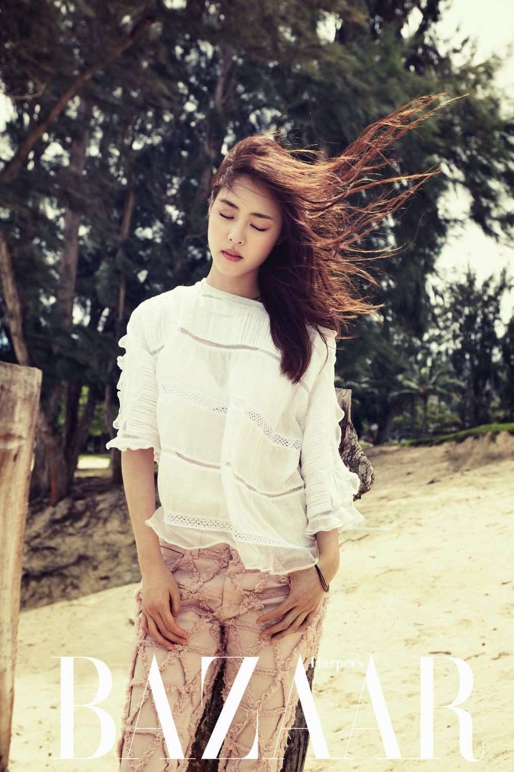 Lee Yeon Hee - Harper's Bazaar Magazine April Issue 2014