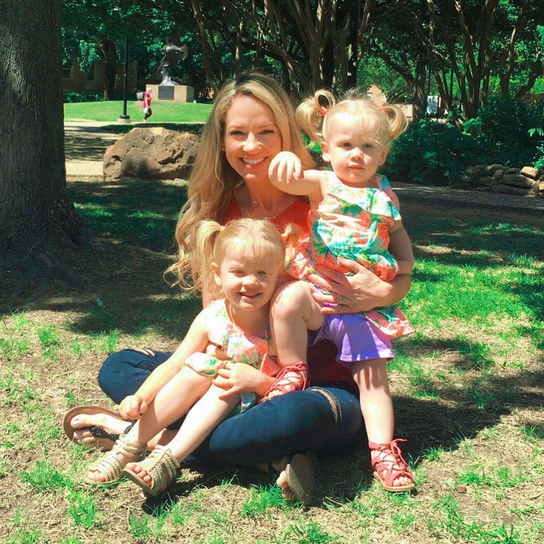 🌸🌺🌹🌻🌼☀️💁🏼♀️💁🏼♀️💁🏼♀️#girls #familygoals #girlmom #sunshine #summer #love