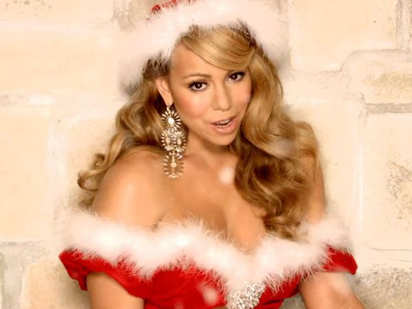 Mariah Carreyin Christmas Outfit Google Search Mariah Carey Chanteur Americain Chanteur