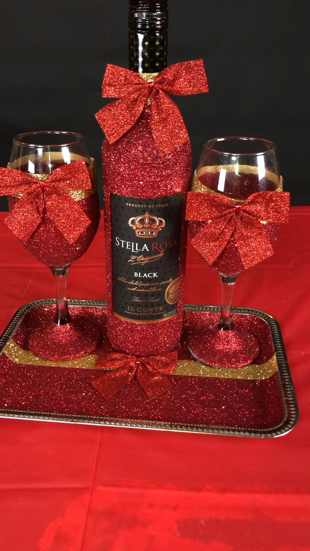 Glitter Wine Glass Sets Video In 2020 Decorated Liquor Bottles Liquor Bottle Crafts Glitter Bottle Diy