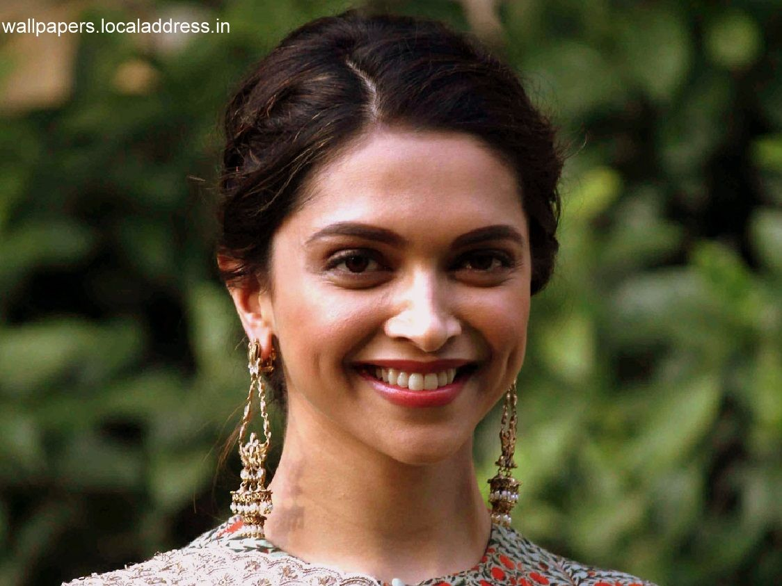 bollywood actress deepika padukone hot wallpapers hd quality | 3d