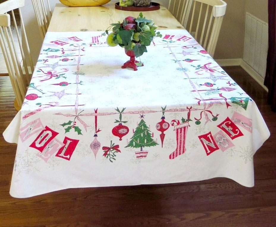 Vintage Linens-Vintage Christmas-Table linens-Christmas Tablecloth-Holiday Tablecloth-Vintage Tablecloth-Farmhouse