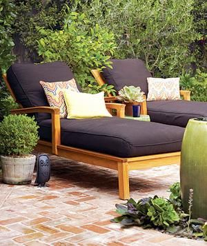 clean outdoor furniture in just 2 steps