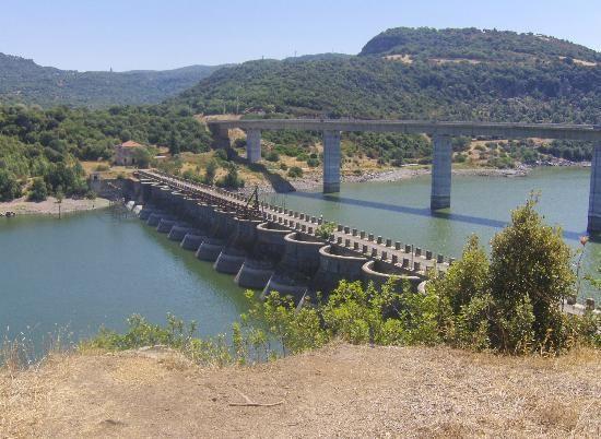 lagoOmodeo - vecchia diga