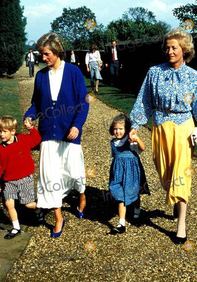 Princess Diana with Prince Harry, Eleanor Fellowes, and Frances Shand-kydd Photo: Dave Chancellor-alpha-Globe Photos Inc 1989