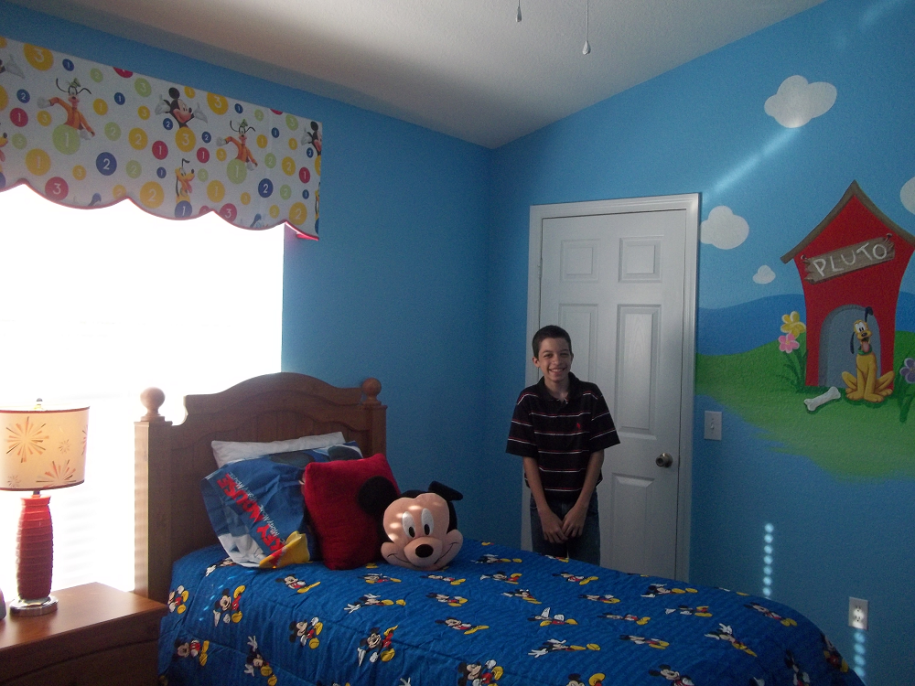 Superb Mickey Mouse Clubhouse Bedroom Decor Ideas