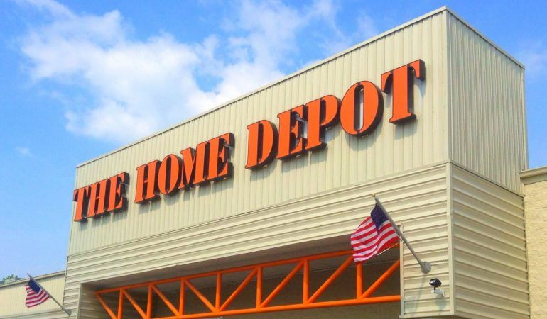 Comparing Home Depot And Lowe's: How Do The Two Stores ...