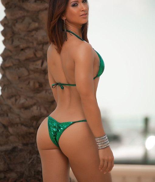 Thick bikini for hourglass figure