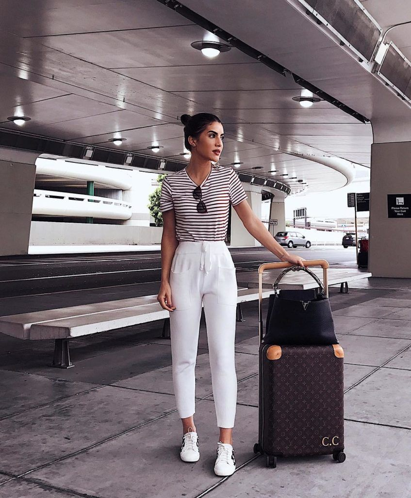 5 Outfits to Wear to the Airport - Crossroads  Comfy travel