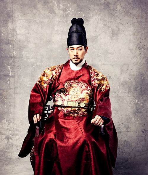 4dc8fea784 Man in red wearing 한복 hanbok, Korean traditional costume clothes #hanbok # Korean #red #costume
