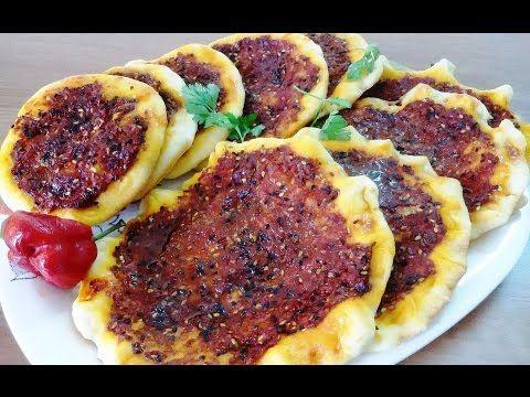 طريقة عمل مناقيش الزعتر والمحمرة وفطاير الجبنة Youtube Lebanese Recipes Recipes Food