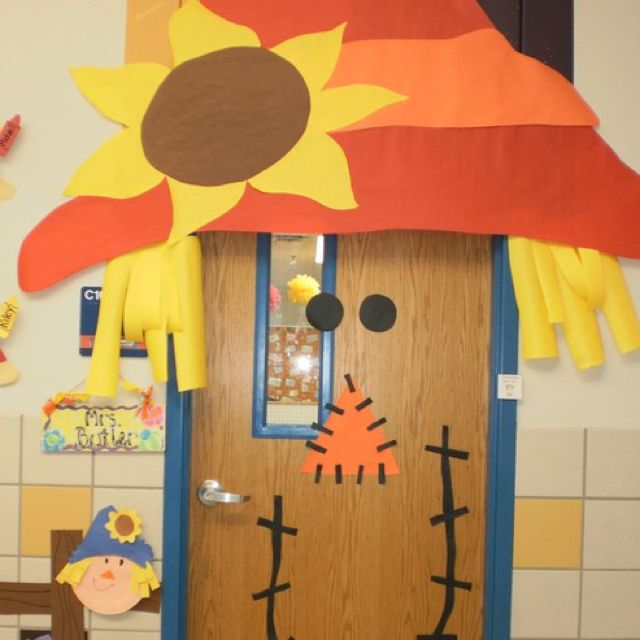 Fall door decoration Bulletin Boards Pinterest Classroom door - preschool halloween decorations
