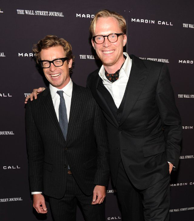 Simon Baker and Paul Bettany at event of Margin Call
