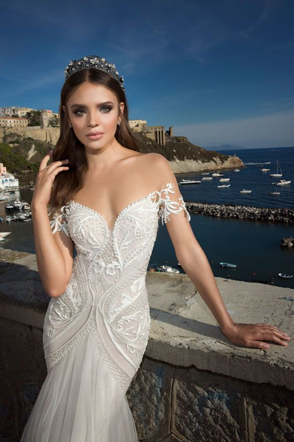 Off The Shoulder Wedding Dress By Julie Vino Lingo Explained A Guide To Necklines And Skirts