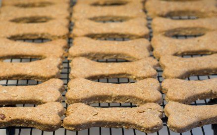 This page contains recipes for homemade dog treats. It is easy to create nutritious dog treats and biscuits from ingredients from your own refrigerator and pantry.