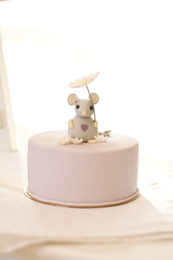 little mouse cake detail by petite homemade   Birthday stuff   Pinterest
