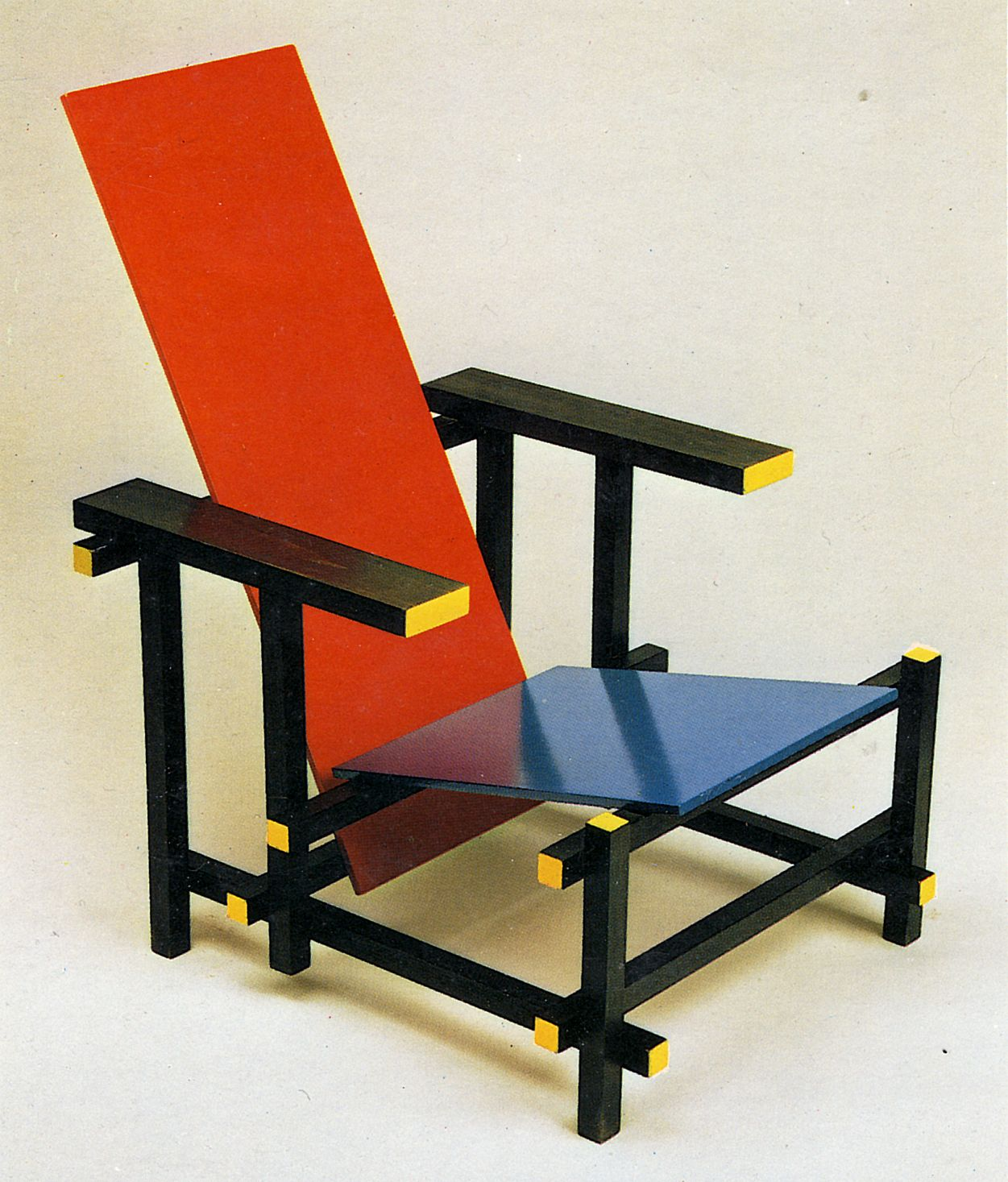 Rietveld chaise bleue et rouge (5)  Chaise bleu, Design, Chaise