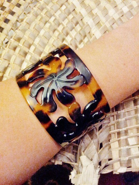 Tiare Flower Design Faux Turtle S Large Bracelet