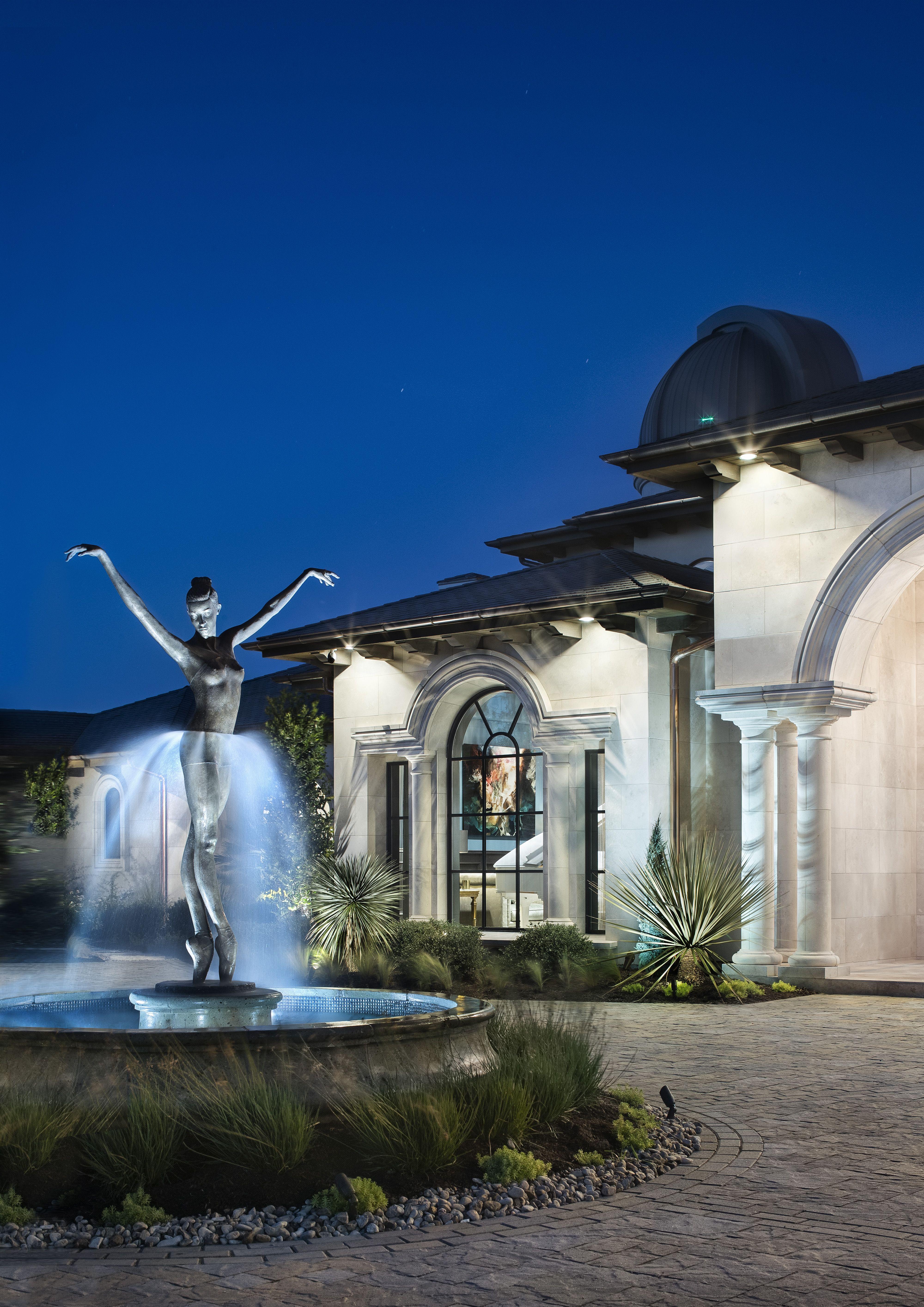 Gorgeous Home In Austin Texas In 2020 Outdoor Design Austin Interior Design Stone Facade