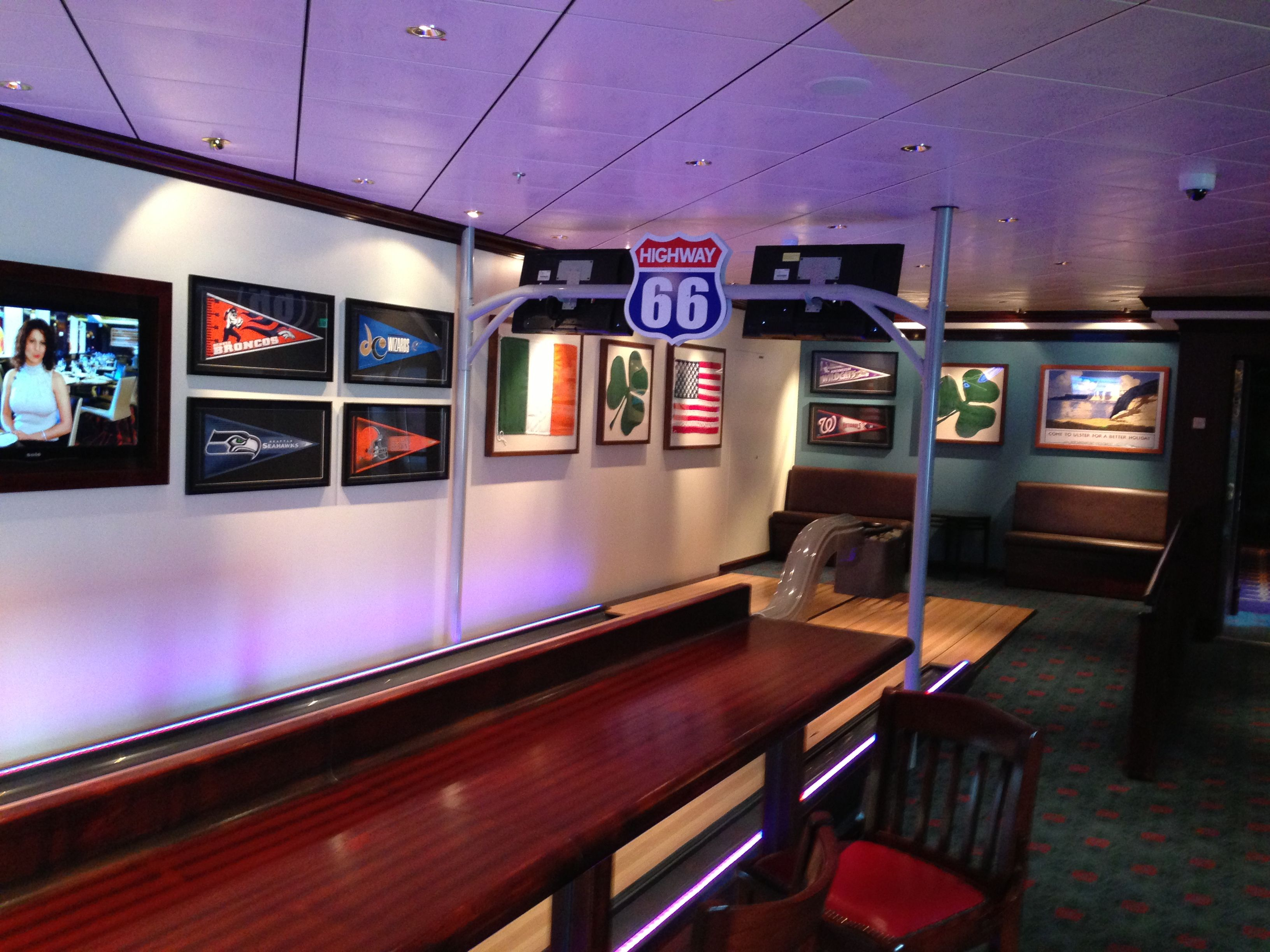 Entourage Teens Club For Ages 13 17 - Norwegian Breakaway Inaugural