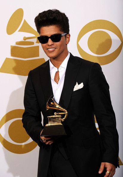 Bruno Mars Photos Photos The 53rd Annual Grammy Awards Press Room Bruno Mars Songs Bruno Mars Bruno Mars Awards